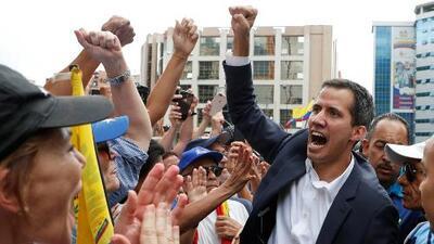 ¿Quién es Juan Guaidó, el político que juramentó como presidente interino de Venezuela?