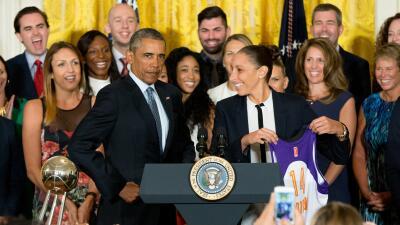 Una jugadora de origen latino es la nueva líder encestadora en la historia de la WNBA