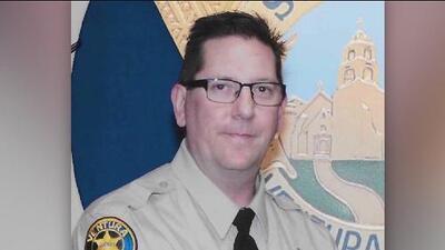 Agente muerto durante tiroteo en California tenía 29 años de servicio en la policía