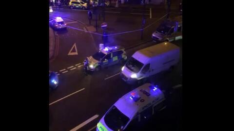 Imágenes de la escena donde un vehículo atropelló a varias personas en Londres