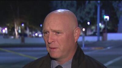 Policía confiesa que tiroteo en California lo conmovió hasta las lágrimas
