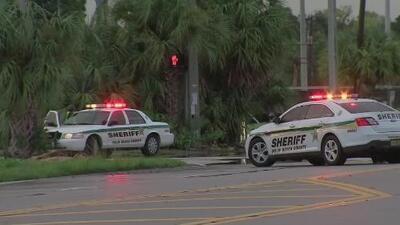 """""""Fue horrible"""": compradores relatan la tensión que vivieron en el Town Center Mall tras presunto tiroteo"""