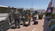 Crisis en la frontera: así es la estancia de los inmigrantes recién llegados en los refugios