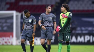 """Ochoa tunde a Concacaf por fractura de Chucho: """"No cuidan el futbol"""""""