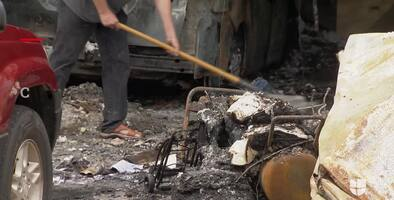 Repartidor de Amazon salva como un héroe a un anciano cuando su casa se incendia en Florida