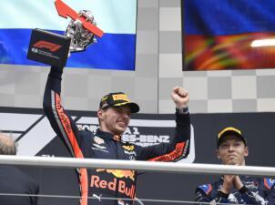 Max Verstappen triunfa en el GP de Alemania en medio de accidentada carrera