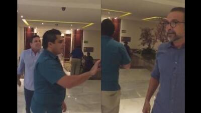 Embajador de Venezuela en la OEA pelea a gritos con un opositor, previo a la asamblea de Cancún