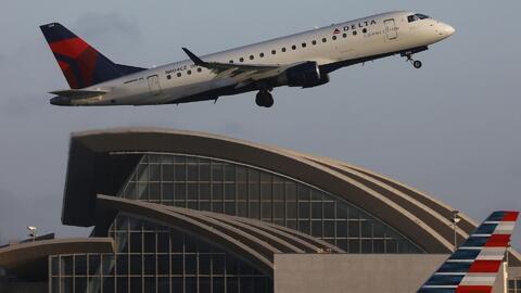 Recomendaciones para evitar complicaciones y perder vuelos que salen desde LAX