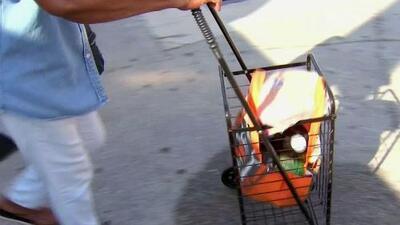 Familias de bajos recursos en el sur de Florida reciben cesta navideñas donadas por Sunshine Gasoline