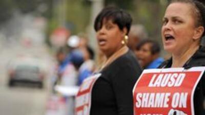 El Distrito Escolar Unificado de Los Angeles considera despidos masivos por deficit