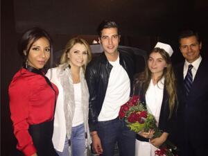 Angélica Rivera y Enrique Peña Nieto visitaron a Sofía en el teatro