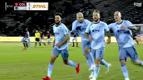 Johnny Russell hace un golazo y empata el partido a dos minutos del final, Colorado 1-1 Sporting KC