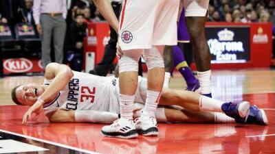 Blake Griffin de los Clippers quedará fuera por lo menos 2 meses