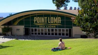 FBI investiga amenaza que obligó a la cancelación de clases en universidad cristiana de California