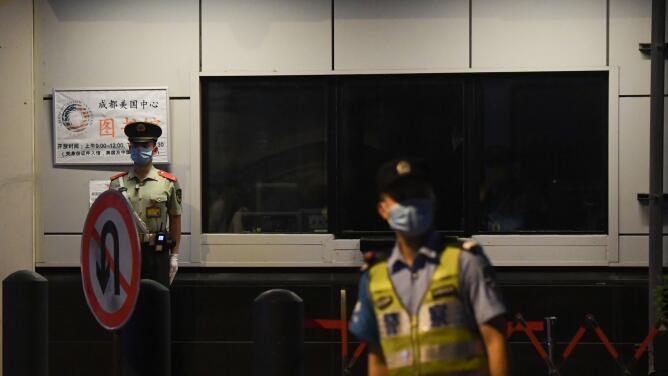 China responde a EEUU y ordena el cierre de su sede consular en Chengdu