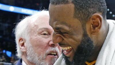 """Gregg Popovich, resignado al perder contra el 'Rey': """"Es LeBron James, no lo puedes marcar"""""""