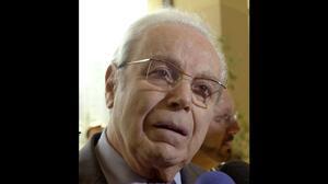 Falleció Javier Pérez de Cuéllar, el ex secretario general de la ONU que logró el cese al fuego entre Irán e Irak en 1988