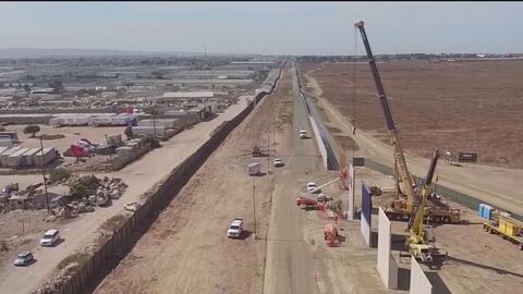 """""""La construcción del muro fronterizo es un tema personal para el presidente"""", asegura el senador Menéndez"""