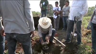"""Familiares de desaparecidos encuentran en México la fosa clandestina """"más grande del mundo"""""""