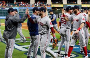 Entrada x entrada: En agónico y polémico juego, Boston gana a Houston y lidera 3-1 la ALCS