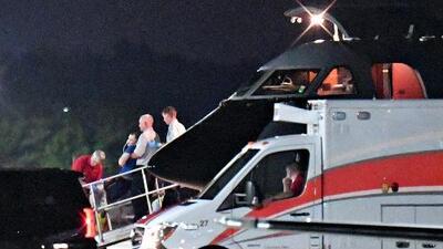 El estudiante estadounidense liberado por Corea del Norte llega a Ohio y es ingresado en un hospital