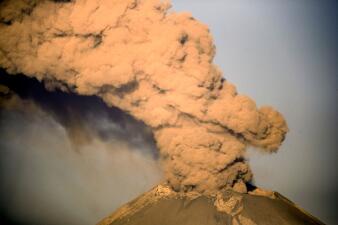 Sube el nivel de alerta en México por la actividad del volcán Popocatépetl