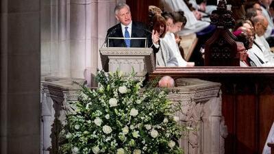 Con un emotivo discurso, el historiador presidencial Jon Meacham rinde tributo a George H. W. Bush