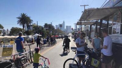 La CicLAvia, la gran fiesta de los peatones y ciclistas cierra las principales calles del centro de Los Ángeles
