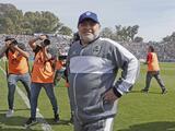 Maradona abandona hospital tras recibir el alta médica