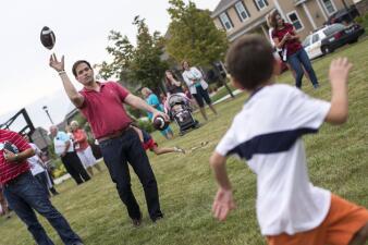 Marco Rubio durante picnic familiar en Iowa