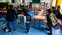 Los CDC cambiaron requerimientos de distanciamiento físico en las escuelas