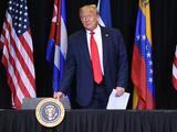 Qué significa la Salida Forzada Diferida que firmó Trump para los venezolanos en EEUU