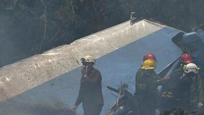 Confirman los nombres de la tripulación del avión que cayó en Cuba