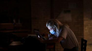 """Pritzker: """"Es posible que desee tomarse los próximos días libres de las redes sociales"""""""