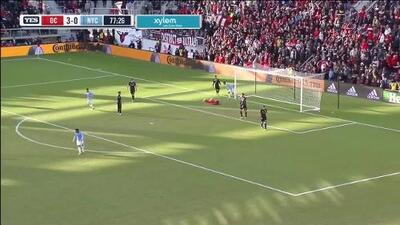 David Villa anota el gol de la honra con un disparo cruzado, D.C. United 3-1 New York City
