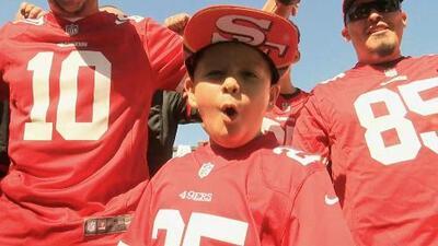 Entre carne asada y música regional, los fanáticos de los 49ers apoyan a su equipo en Santa Clara