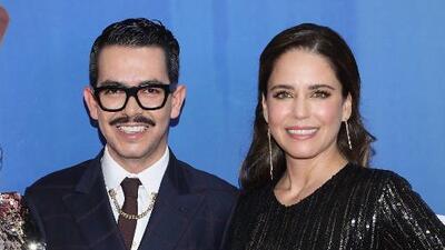 """Claudia Talancón y Manolo Caro dicen por qué deben ver la nueva versión de """"Perfectos Desconocidos"""""""