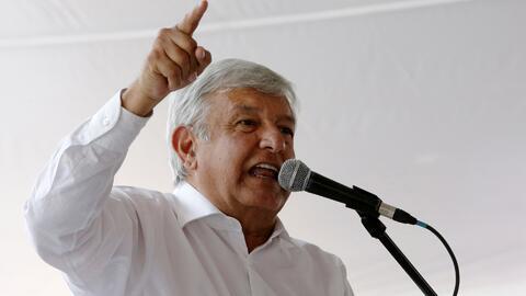 Candidato a la Presidencia de México López Obrador se consolida en el primer lugar de encuestas