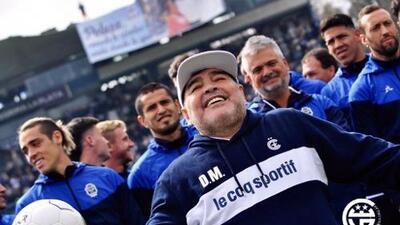 """Maradona durante su presentación con Gimnasia: """"No soy un mago, hay que trabajar"""""""