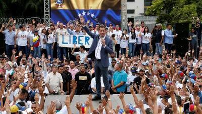 """""""Operación Libertad"""": la ofensiva de Guaidó que tomó por sorpresa al régimen de Nicolás Maduro"""