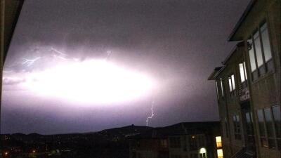 Rayos iluminan el cielo de San Antonio en medio de las tormentas