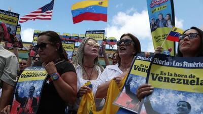 Venezolanos en Miami se dieron cita para manifestar su apoyo a Guaidó y seguir de cerca la situación en ese país