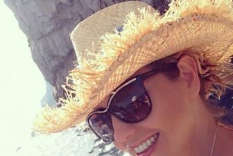 Thalía derrite a todos con su bikini