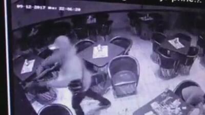 En video: El despiadado tiroteo de unos sicarios en un restaurante de México