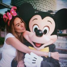 ¡Qué valiente! Galilea Montijo se fue sola con sus niños a Disney