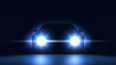 Estos son los carros que iluminan mejor la vía de noche