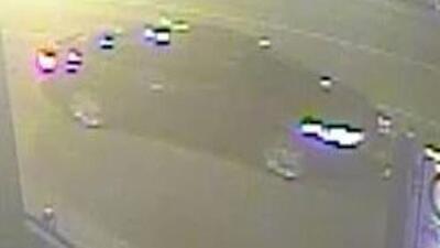 Autoridades piden ayuda para localizar este vehículo, que atropelló y mató a una ciclista