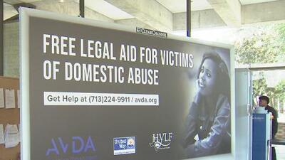 Lanzan campaña bilingüe al aire libre para ayudar a víctimas de violencia doméstica en Houston