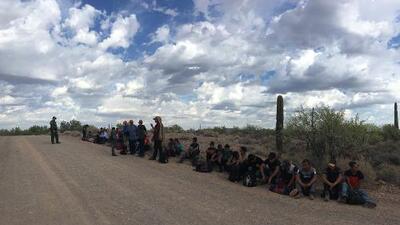 Presidente Trump insiste en llegada masiva de inmigrantes por Arizona para justificar más fondos para su muro