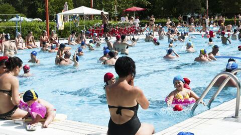 Consejos para evitar contagios e infecciones en piscinas públicas